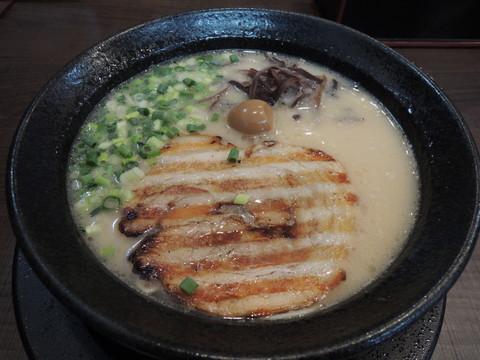 鬼炊き豚骨らーめん(720円)