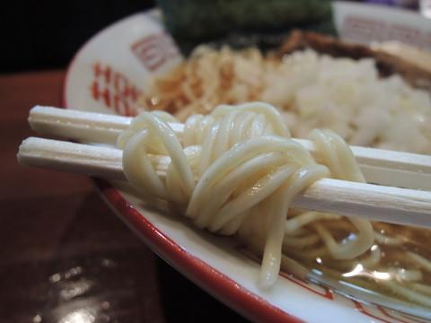 淡麗中華ソバの麺