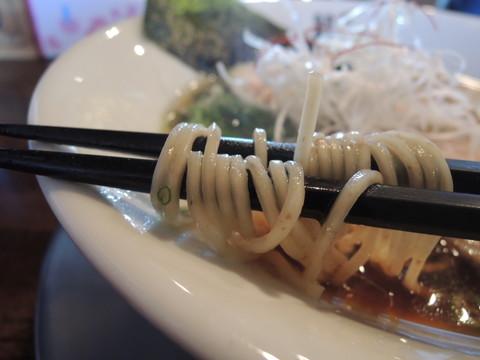 鶏SOBA 醤油の麺