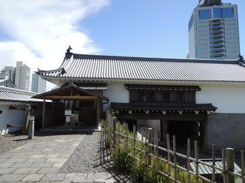 駿府城(東御門入口)
