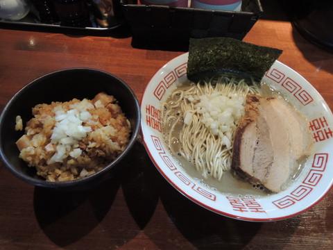 中濃中華ソバ(800円)と炊き込みご飯(数量限定)(150円)