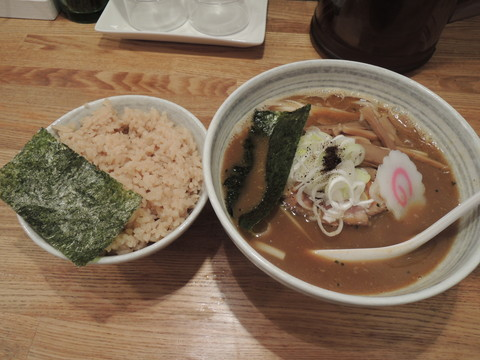カレーらーめん(780円)+香味ごはん(180円)