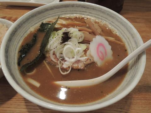 カレーらーめん(780円)