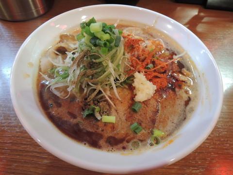 辛口炙り肉ソバ『味噌』(850円)