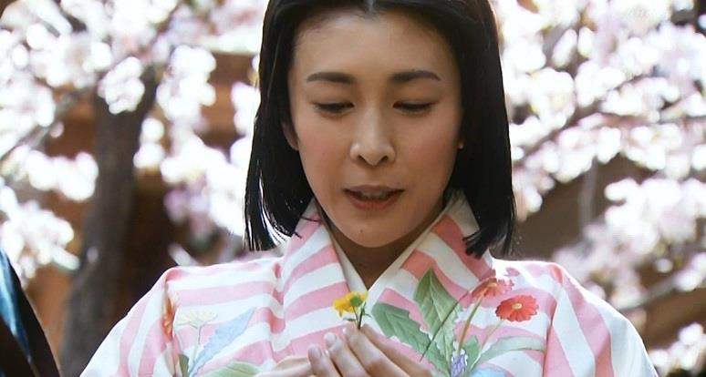 「よく母上は押し花にして書物の間に挟んでいました。私もやってみます」茶々 真田丸