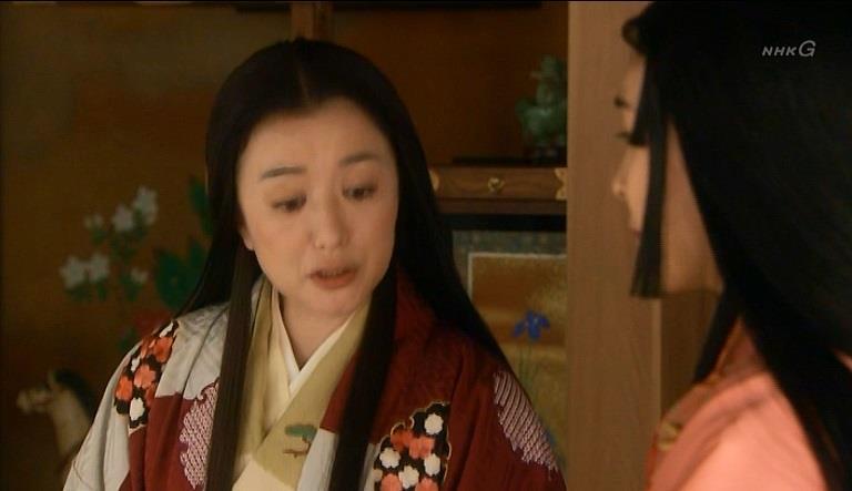 「あなた姫様育ちで、乳母もおるだで、赤子を抱いてあやしたりせんでしょう?なんで手首が痛なるの?」寧 真田丸