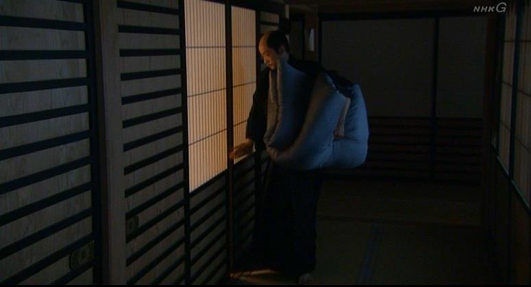 おねしょ布団を部屋に持ち込む石田三成 真田丸