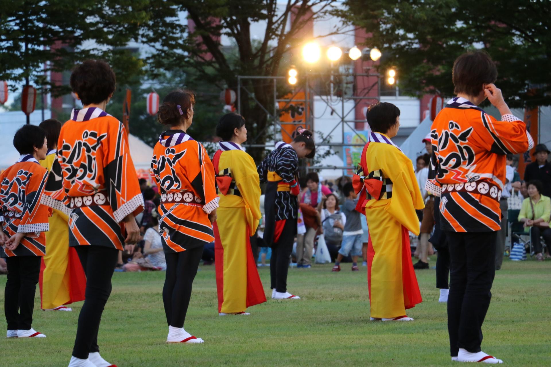 27円満造甚句踊り