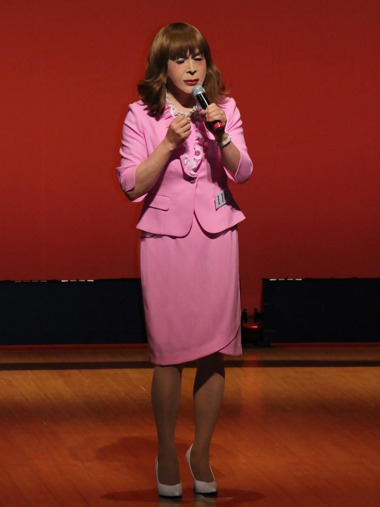 ピンクスーツ舞台(5)