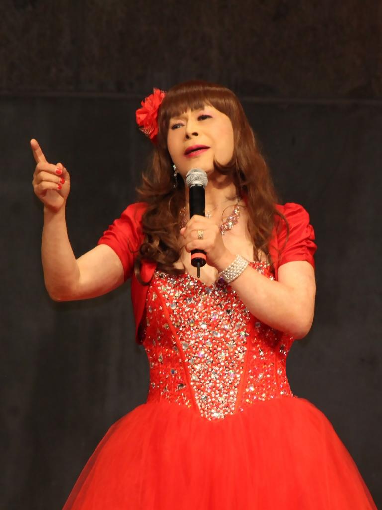 赤いドレス舞台A(2)