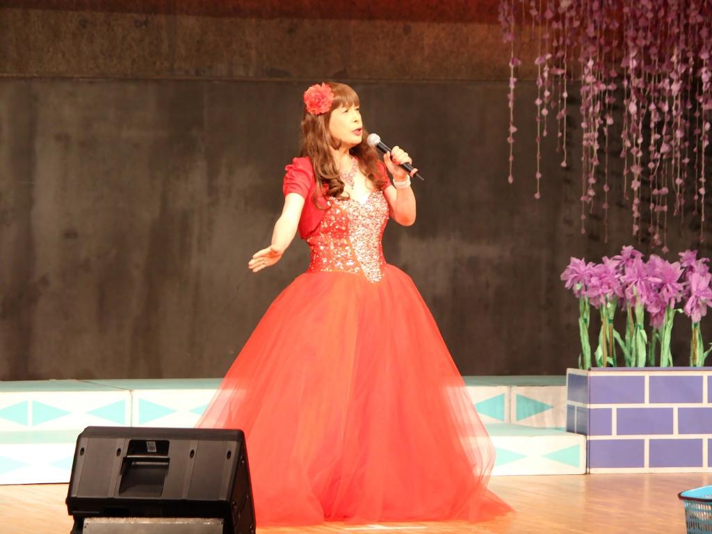赤いドレス舞台A(3)