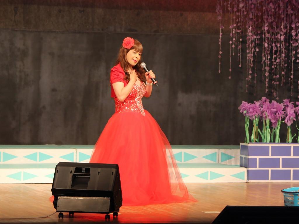 赤いドレス舞台A(5)