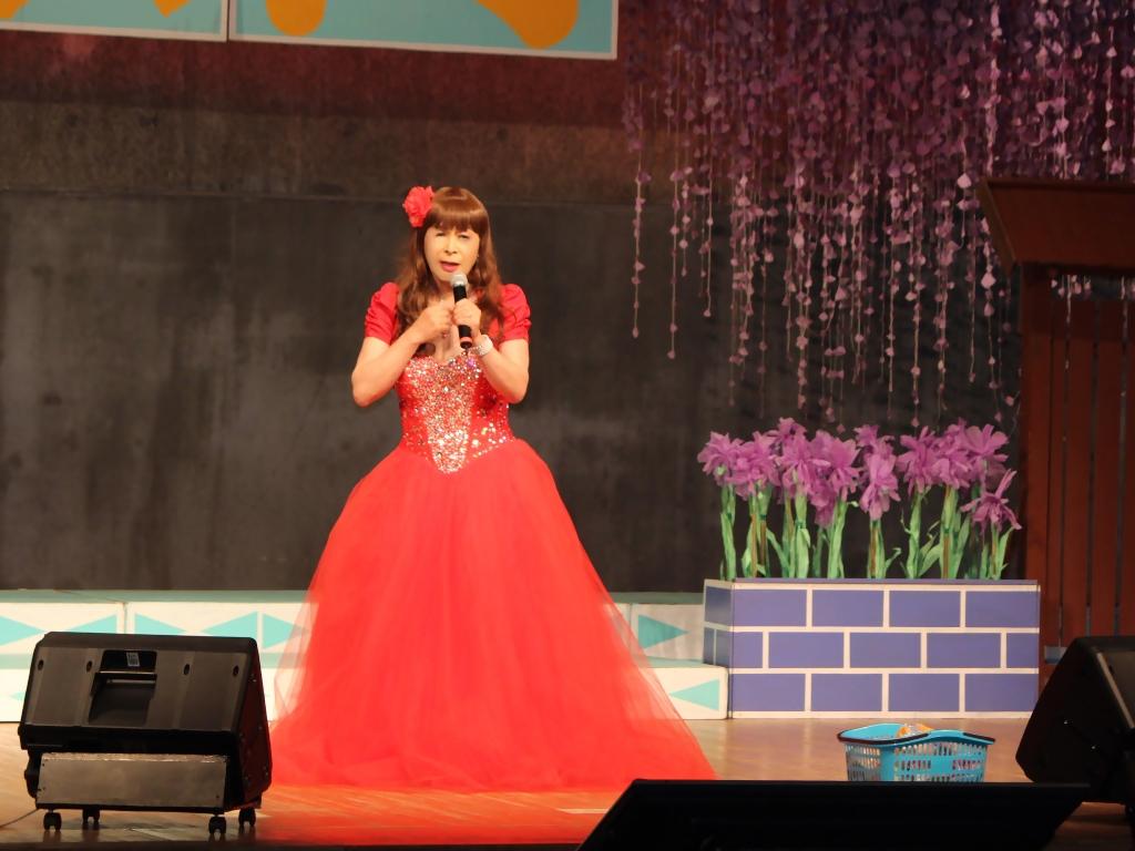 赤いドレス舞台A(6)