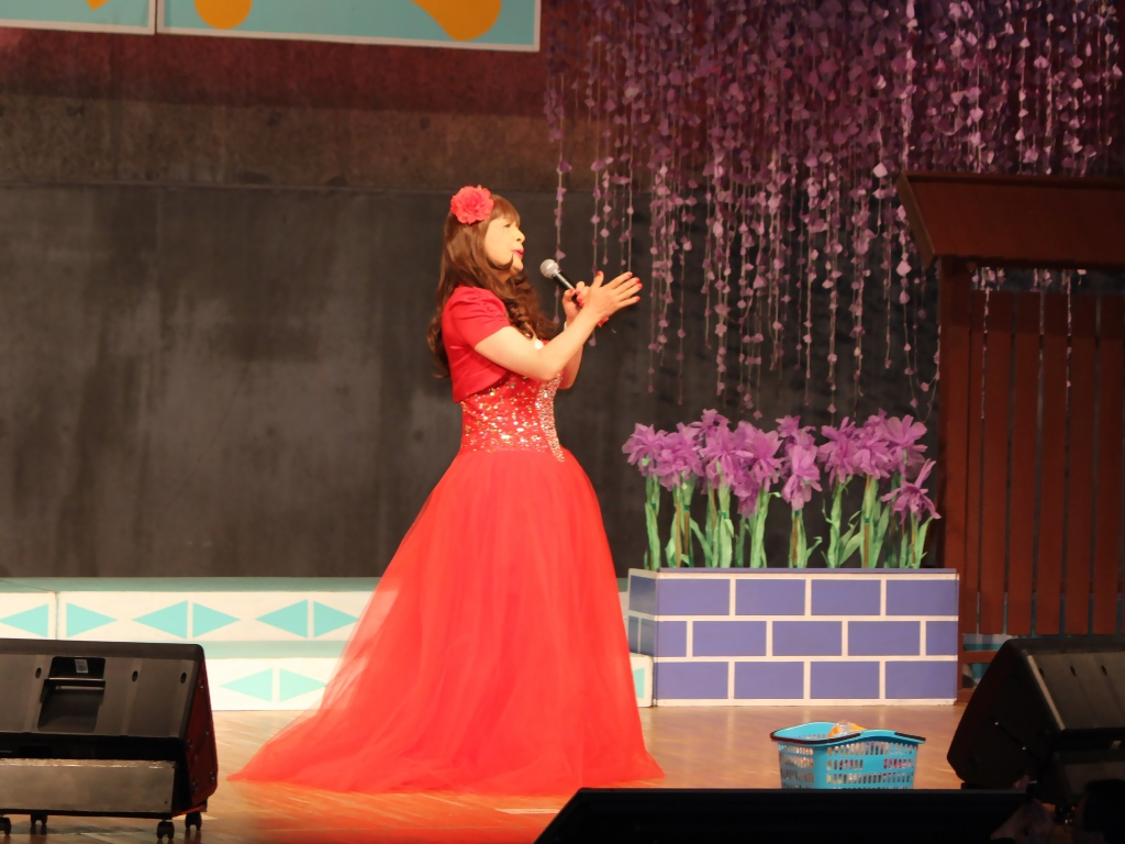 赤いドレス舞台A(7)