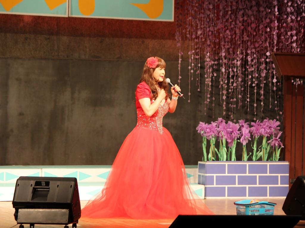 赤いドレス舞台B(2)