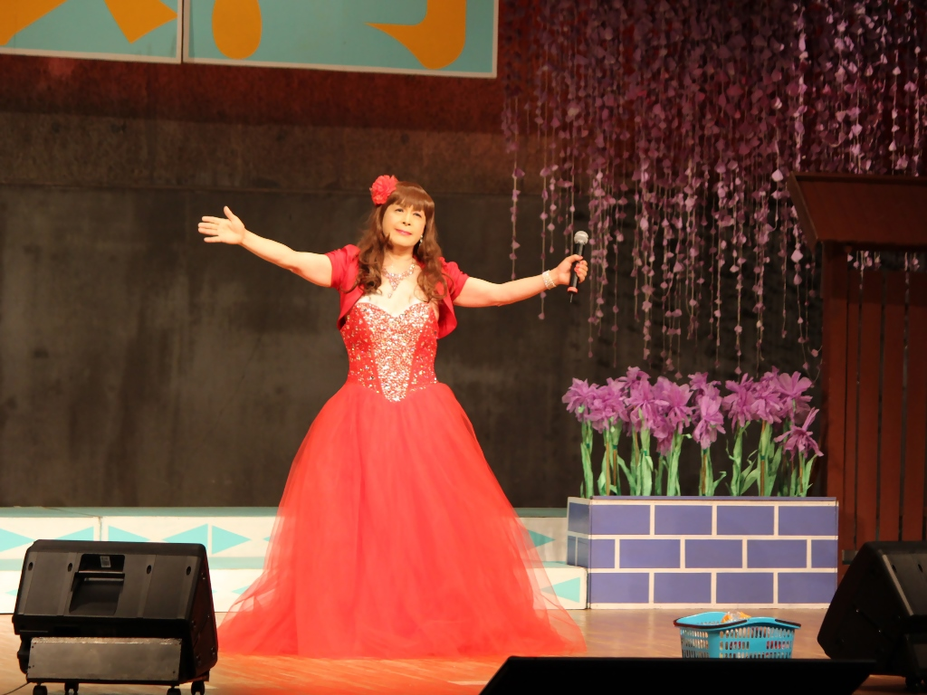 赤いドレス舞台B(1)