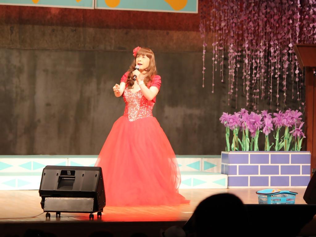 赤いドレス舞台B(4)