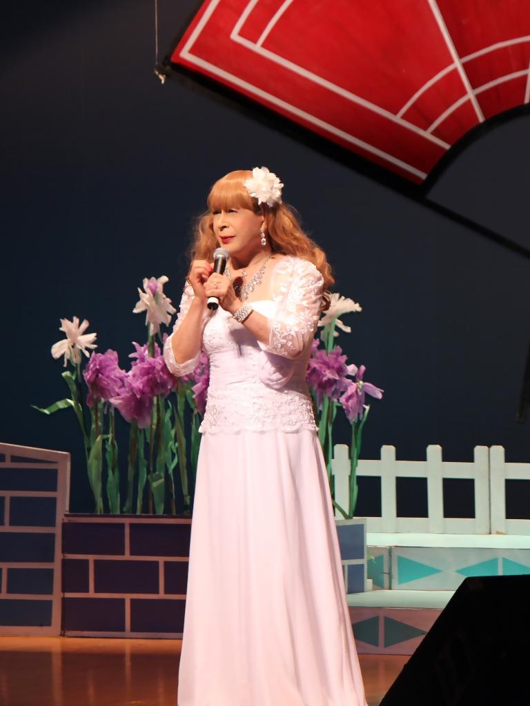 ホワイトドレス舞台(1)