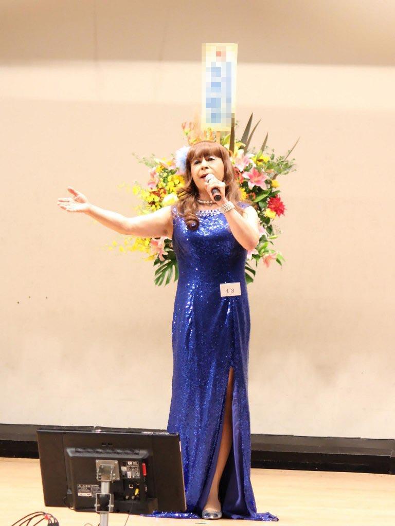 青スパンコールドレス舞台(1)