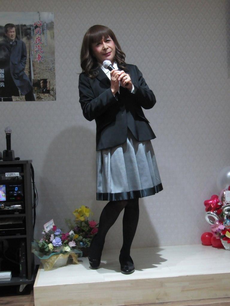 黒ジャケットグレースカートカラオケ(1)