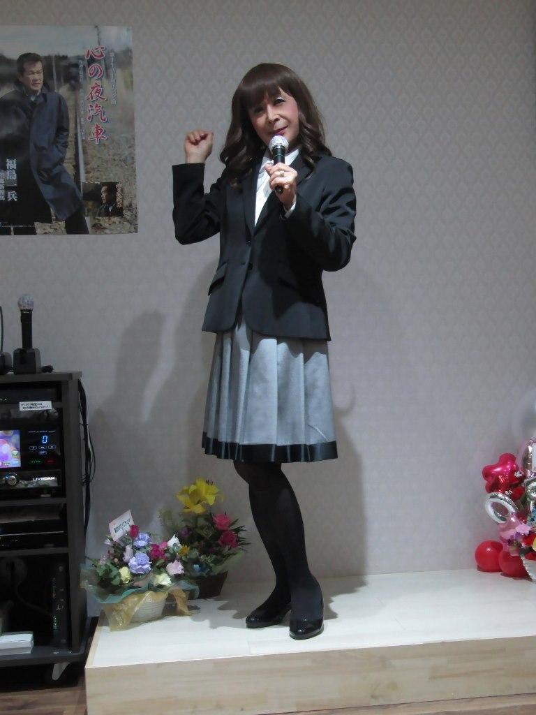 黒ジャケットグレースカートカラオケ(2)