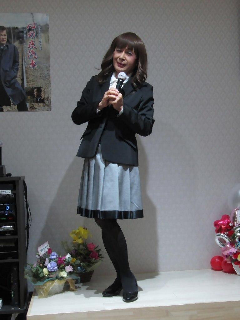 黒ジャケットグレースカートカラオケ(3)