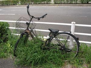 南8の放置自転車