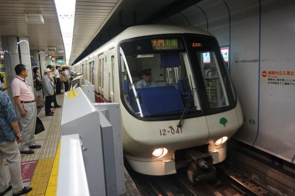 2016-06-26 大江戸線12-041F 六本木・大門方面行き