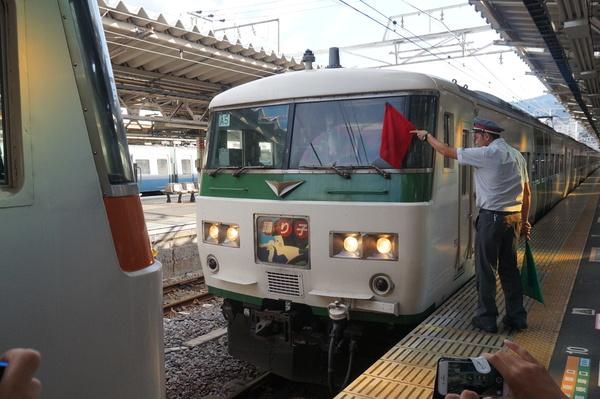 2016-08-04 踊り子号185系 連結作業3