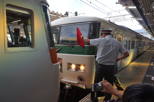 2016-08-04 踊り子号185系 連結作業5