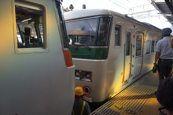 2016-08-04 踊り子号185系 連結作業6