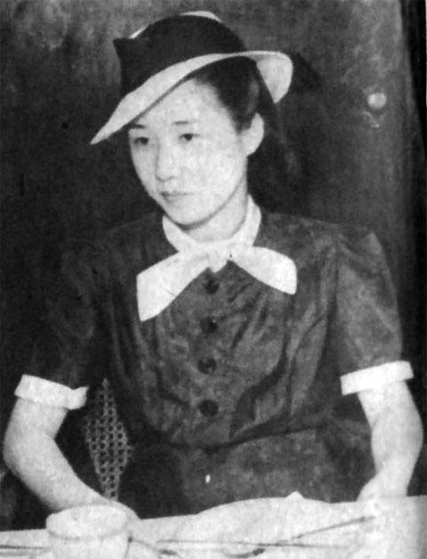 鶴萬龜子1941july