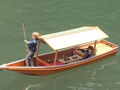 舟遊びするリカちゃん_H28.07.01撮影