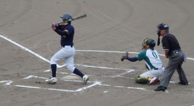 P7282706 1回表コスギ1死一、二塁から4番松本が2点先制となる右越え三塁打を放つ