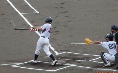 P8012883 1回表細部ガス2死二、三塁から5番の右中間三塁打で2点先制