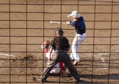 P8083178 炭焼きよた4回裏2死二、三塁から9番が右前打を放ち1点追加
