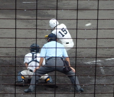 P9284231 文徳6回裏1死満塁から9番の代打が右翼線二塁打を放ち二人生還し、2点先制