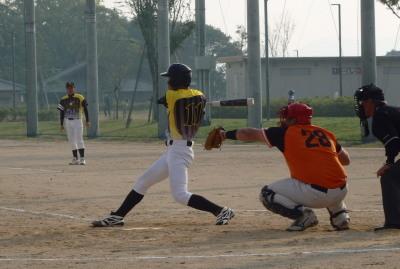 PB064657 6回表Big連チャンず無死二塁から1番川野が右中間2点本塁打を放つ