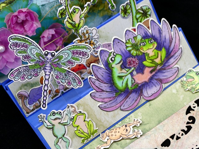 Winking Frog Collection Triple Easel Card