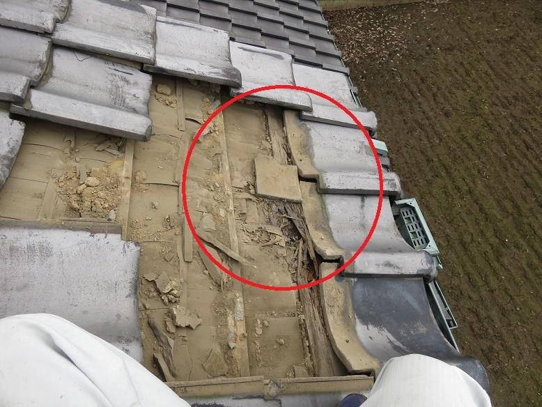 瓦の下雨漏り