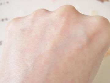 手のシワが減り、美白力がある!使いやすく持続力がいい、ハンド美容ジェル・クリーム【ナールスロゼ】