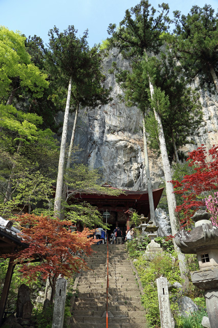 石龍山橋立堂(第28番札所)