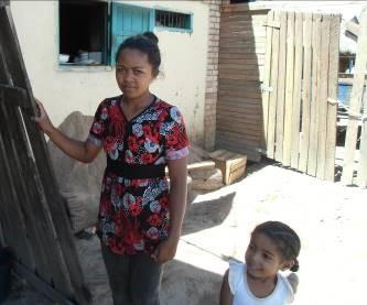 マダガスカル100年食堂3-3