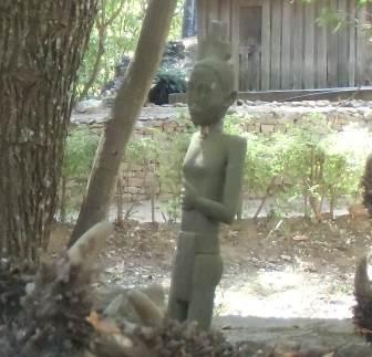 マダガスカル古代の女性2