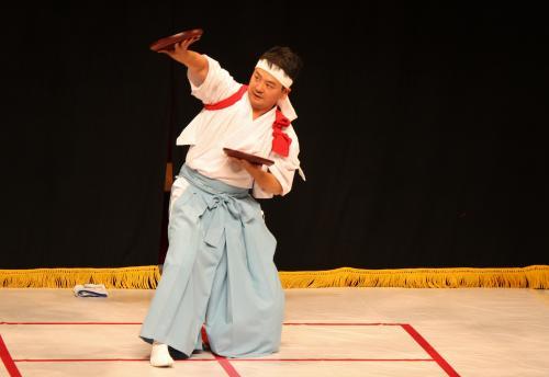 溝口神楽団 折敷舞7