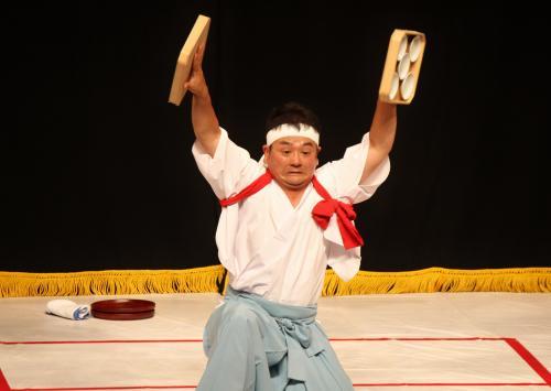 溝口神楽団 折敷舞11