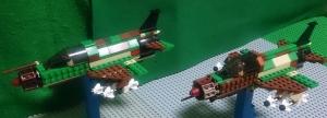 編隊飛行を行う惨撃-21