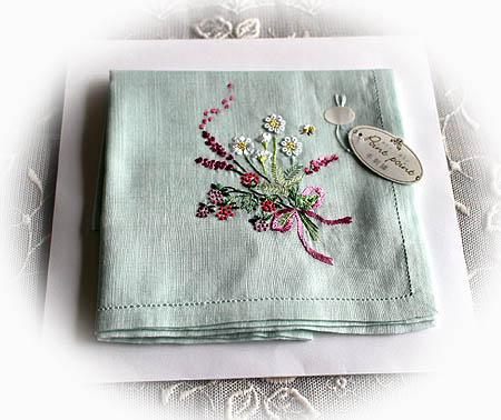 手刺繍ハンカチ 1