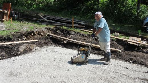 Terry山荘建設 土間コンクリート敷設準備 (2) (520x293)