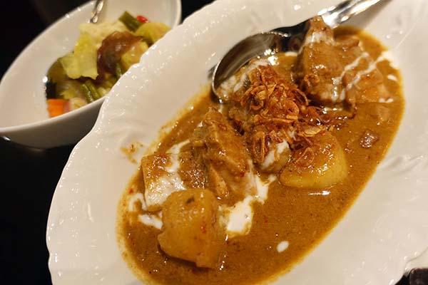 Saneh Jaan_bangkok_バンコク_タイ料理_サネージャン_ウィッタユ_ワイヤレス06